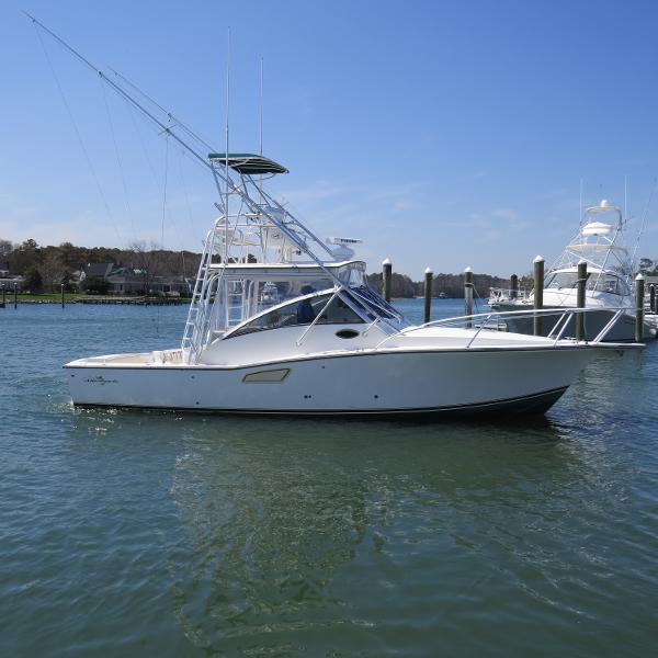 32' Albemarle 2002 - Yacht for Sale   Bluewater Yacht Sales